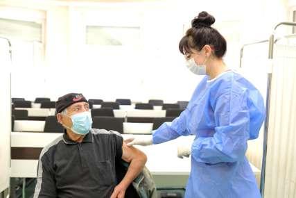 U Banjaluci počela vakcinacija građana STARIJIH OD 65 GODINA: Do sada stiglo 7.000 prijava (FOTO)