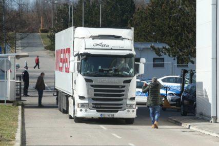 """U Srpsku stiglo još 20.000 DOZA VAKCINE """"Sputnjik V"""" (FOTO)"""