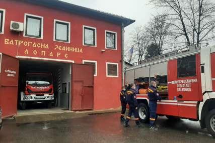 OPREZNO S VATROM Loparski vatrogasci spremni, ali mine i dalje prijete
