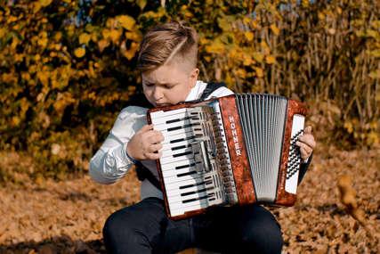 Mladi virtuoz na harmonici: Đorđe iz Bijeljine ima samo 11 godina i 84 osvojene nagrade