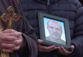 SAHRANJEN MLADI BANJALUČANIN Aleksandar završio u migrantskom kampu, pa pronađen obješen (VIDEO)