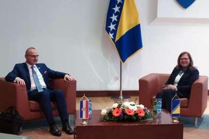 Gudeljević: Ministarstvo će preduzeti sve kako bi donacija Hrvatske u vakcinama bila realizovana u najkraćem roku