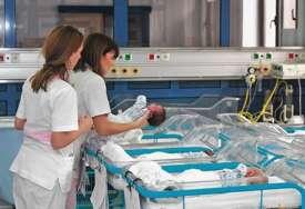 """""""Mnogi od njih su rođeni bez simptoma"""" U KBC """"Dragiša Mišović"""" od početka epidemije liječeno 40 beba uzrasta do mjesec dana"""