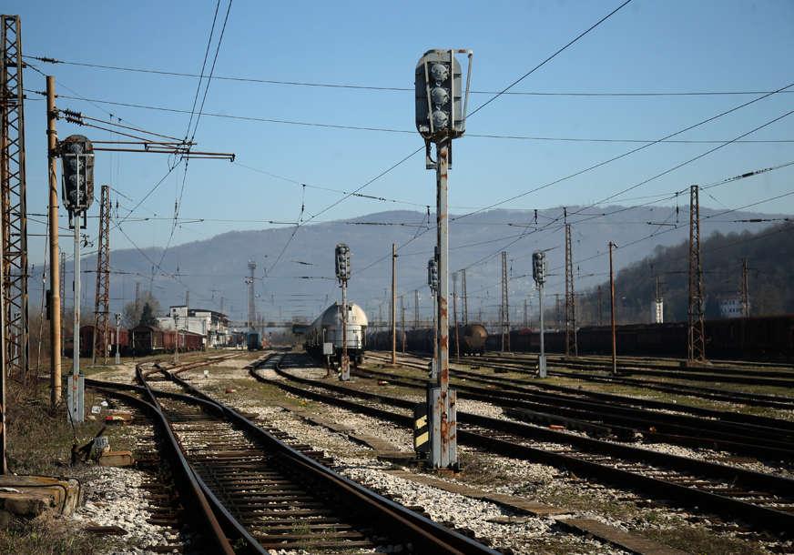 Poginula djevojčica po izlasku iz voza: Sat vremena je pokušavali reanimirati nakon što je pregazilo vozilo za održavanje pruge