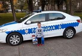 Poklon kakvom se nije nadao: Pripadnici MUP RS iz Bijeljine ugostili dječaka koji želi da postane policajac (FOTO)