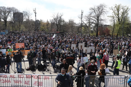 Počeo ekološki protest u centru Beograda: Na ulice izašli predstavnici 70 organizacija (FOTO)