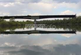Izgradnja mosta kod Gradiške U PUNOM JEKU: Neimari sa dvije obale Save sve bliži (FOTO)