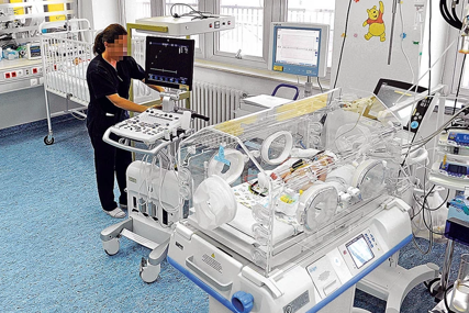 NAJMANJA BEBA NA SVIJETU Kada se rodila imala je samo 212 grama, a nakon 13 mjeseci intenzivnog liječenja otišla kući