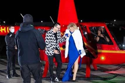 Pjevačica je sve ostavila bez teksta: Brena u haljini sa šlicem, HELIKOPTEROM DOŠLA U EMISIJU (VIDEO, FOTO)