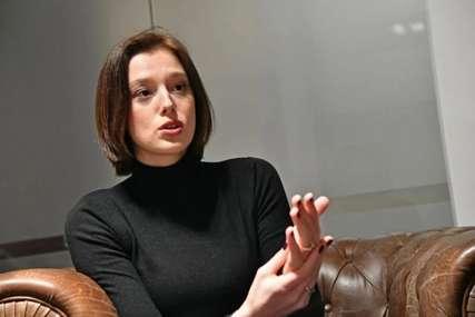 """""""Ja ovo za tri života ne bih mogla da izvedem"""" Milena Radulović objavila fotografiju na kojoj stoji na jednoj nozi"""