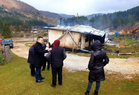 VIŠKOVIĆ NAJAVIO POMOĆ Stambeni kontejneri za porodice u Miljevini koje su ostale bez krova nad glavom