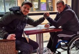 Gitarista Leksington benda uputio apel: Nemanji je potrebno još 70.000 evra da PONOVO HODA