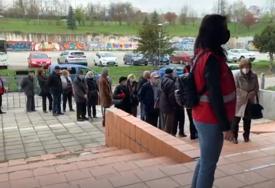 """""""Suze su mi krenule"""" Prvi utisci osoba vakcinisanih u Sarajevu (VIDEO)"""