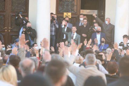 """""""Uvijek ću IMATI OBRAZ da izađem pred svoj narod"""" Stanivuković se obratio okupljenima u Banjaluci (FOTO,VIDEO)"""