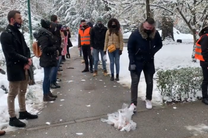 ŽELE HITNO RJEŠENJE Protesti studenata u Sarajevu: U 21. vijeku mi se borimo za hranu (VIDEO)