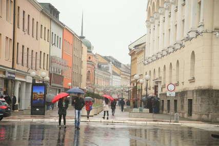 NIKUD BEZ KIŠOBRANA Narednih dana kišovito, u petak suvo i malo toplije