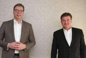 Vučić nakon sastanka sa Lajčakom: Bez razgovora nema rješenja (FOTO)