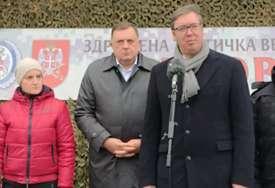 """Vučić o """"non pejperu"""": Ne interesuju me ofrlje ocjene nečega što nisam vidio"""