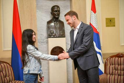 Na godišnjicu proboja Jasenovca: Biljana Čekić povodom Dana Banjaluke dobila nagradu Grada mladima