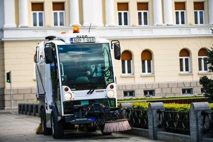"""Povratak u """"normalu"""": U Banjaluci počelo redovno pranje ulica (FOTO)"""