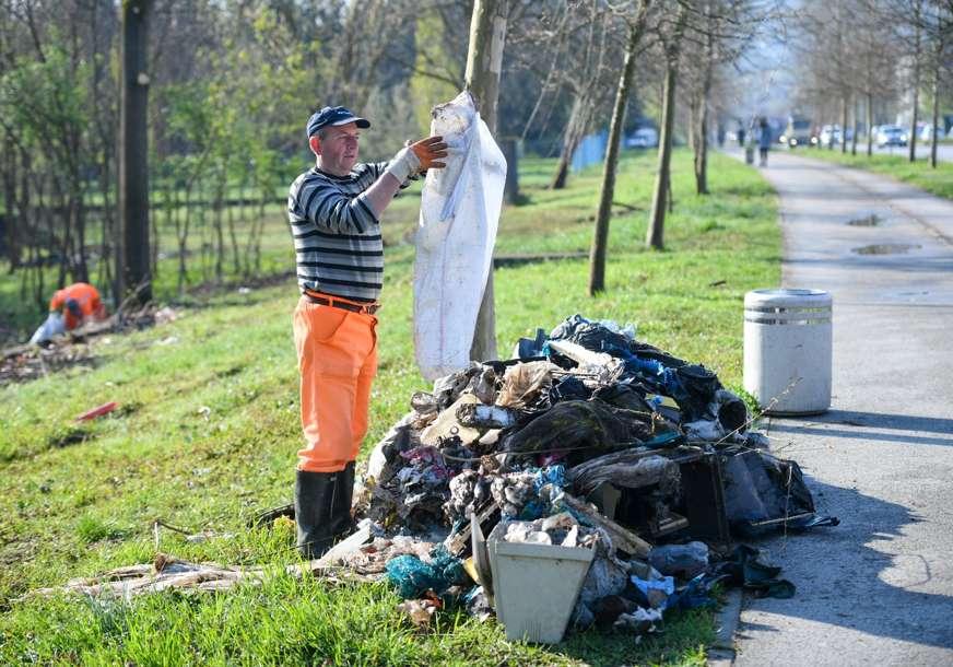 ODVOZE SMEĆE, PERU ULICE Počelo generalno čišćenje grada, Banjaluka više nije u blokadi (FOTO)