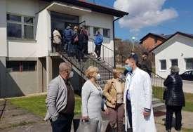 IMUNIZACIJA U LOPARAMA Do sada vakcinisane 363 osobe, prijavljeno više od 1.500