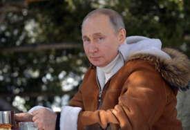 Putin poručio: Vakcine Sputnjik pouzdane kao kalašnjikov