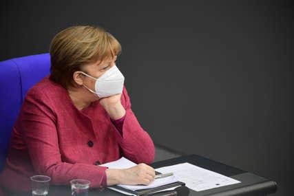 Merkel: Razmatramo nezavisnu kupovinu ruske vakcine