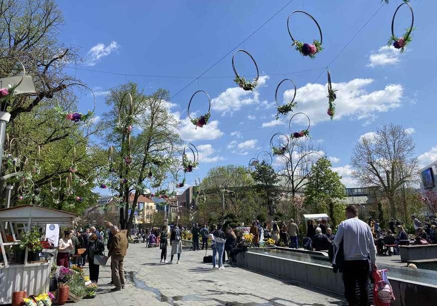 Galerija na otvorenom: Uz zvuke tambure park postaje slikarski atelje