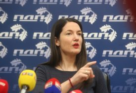 """""""GENERAL CIGARETA I NAFTE"""" Trivićeva poručila Dodiku da je nadmašio sve svoje muzičke nastupe, a evo i zašto"""