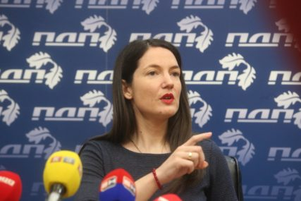"""""""Narod postaje talac jednog čovjeka"""" Jelena Trivić poziva na bunt protiv gušenja slobode medija"""