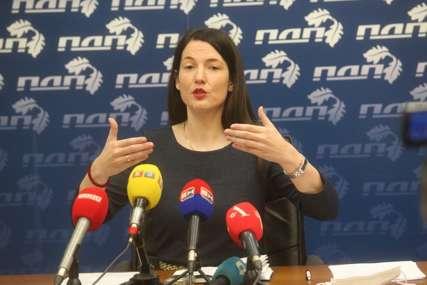 """""""NEPRAVDU ĆE ISPRAVITI BUDUĆNOST"""" Trivićeva poručila da ne priznaje presudu generalu Mladiću"""