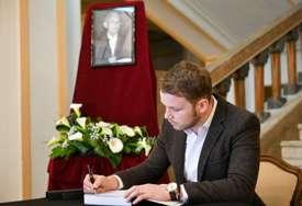 POVODOM SMRTI MILORADA TELEBAKA U Banskom dvoru otvorena knjiga žalosti (FOTO)
