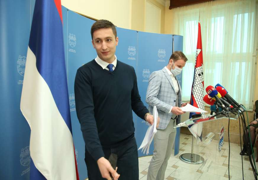 """I dalje pod znakom pitanja: Stanivuković poručio da se nada da će Banjaluka u srijedu dobiti """"kakav-takav budžet"""" (FOTO)"""