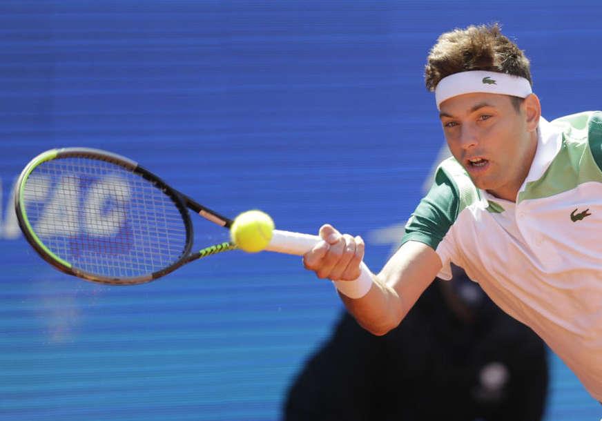 KRAJ ZA KRAJINOVIĆA Srpski teniser propustio brojne šanse protiv Beretinija