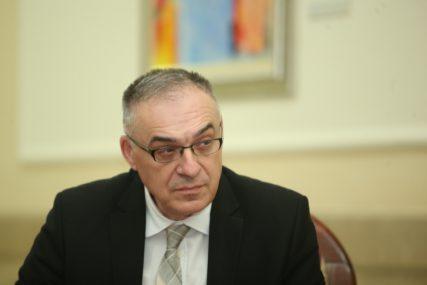 OBRAZOVNI SISTEM NA APARATIMA Miličević: Posvetiti se politikama za mlade