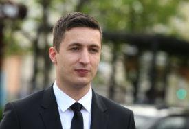 Ilić: Termin nastavka sjednice nakon konsultacija sa predstavnicima političkih partija i gradonačelnikom