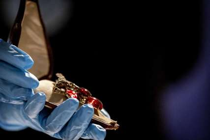 ZAKOPAO DRAGULJE U ŠUMI Rusija pronašla opljačkani nakit, vrijedi preko dva miliona dolara