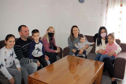 Davidovićeva posjetila Kojiće: Bijela tehnika i prehrambeni paket za šestočlanu porodicu