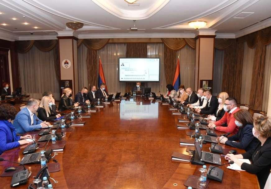 """""""OPOZICIJA POLITIZUJE SVAKU TEMU"""" Iz Vlade Srpske odgovaraju na prozivke oko jednokratne pomoći borcima"""
