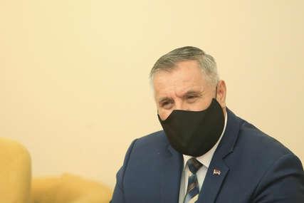 Višković razgovarao sa Savezom sindikata: Izmjenama zakona do povećanja plata u realnom sektoru