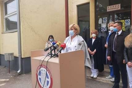 """""""Epidemiološka situacija je teška, podrška je neophodna"""" Vlada Srpske isporučila bijeljinskoj bolnici sedam respiratora (FOTO)"""