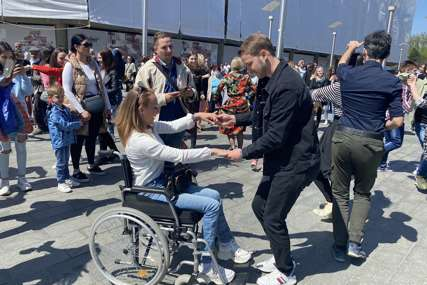 Otvaranje govornice se pretvorilo u proslavu: Stanivuković zaplesao sa građanima Banjaluke (VIDEO)