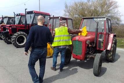 PREVENTIVNA KAMPANJA Traktoristi dobili žuta rotaciona svjetla i prsluke