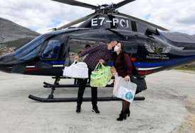 Blizanci Viktorija i Vuk helikopterom stigli u zavičaj: Nakon pet godina borbe za potomstvo bračnom paru iz Trebinja se OSTVARIO SAN