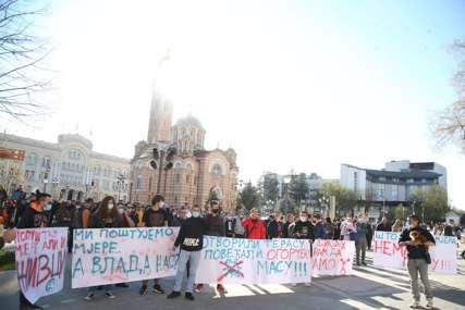 Pozvali predsjednicu Srpske da im se obrati: Protest ugostitelja i fitnes radnika u Banjaluci (FOTO, VIDEO)