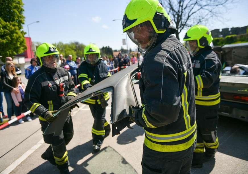 Humano i opasno zanimanje:  U radnoj atmosferi obilježen Međunarodni dan vatrogasaca
