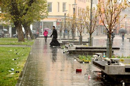 Prizori koji narušavaju sliku grada: Ulice ponovo zatrpane smećem (FOTO)
