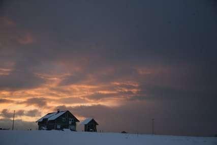 Sve boje Kočićevog zavičaja: Čarobni zalazak sunca na Manjači (FOTO)