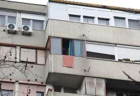 """""""Preskočio prozor, pa visio sa osmog sprata"""" Sumnja se da je pokušao samoubistvo nakon što mu je vjerenica saopštila vijest o trudnoći"""